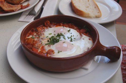 Baked eggs, Spanish style