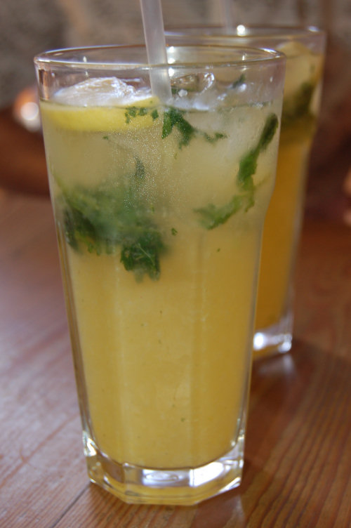 Home made mint lemonade