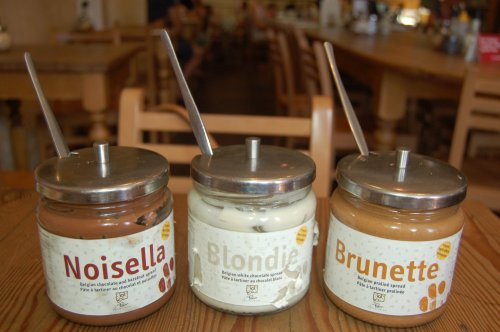 Belgian hazelnut, white chocolate and praliné spreads