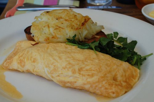 Free range egg omelette with gruyère cheese and ham