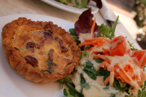 Wild mushroom and spinach quiche