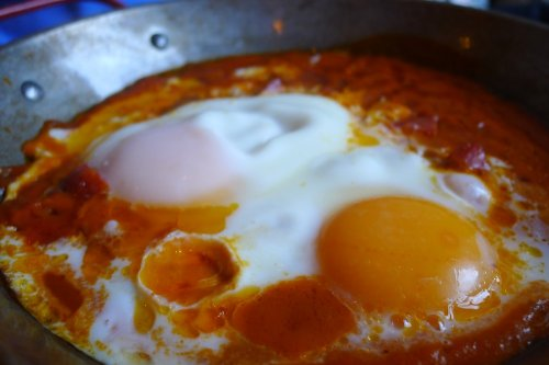 Catalan baked eggs with chorizo