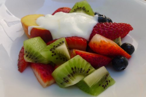 Fresh fruit salade with chevre yogurt [sic]