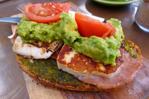 Crushed avocado, grilled haloumi, roasted tomato & basil pesto on sourdough