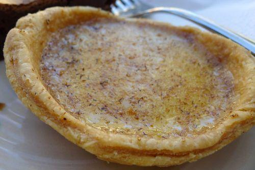 Custard and date tart