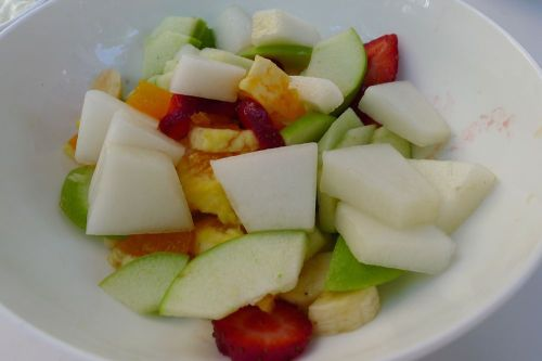 Fruit salad & yoghurt