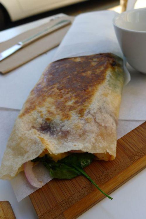 Brekkie burrito