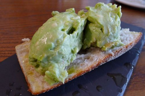 Smashed avo on toast