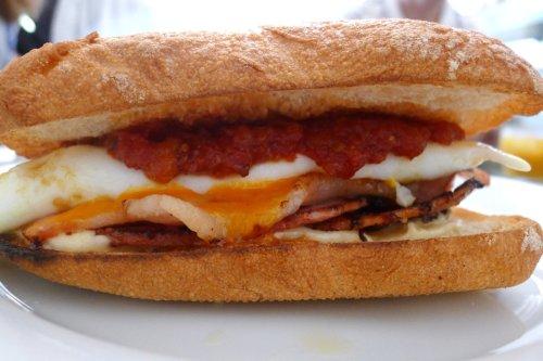 Bacon & egg sambo