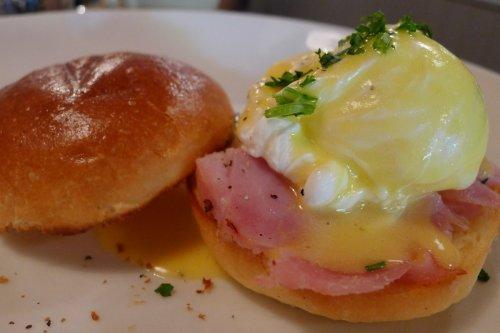 Mini egg Benedict