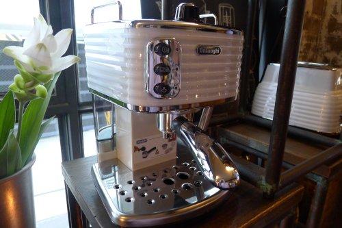 Scultura Pump Coffee Machine
