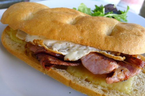 Bacon and egg roll