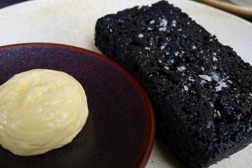 Grilled licorice bread