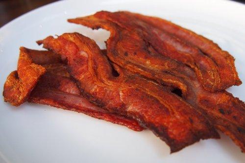 Side of crispy bacon