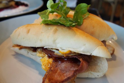 Bacon & egg roll