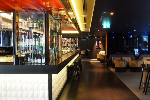 Bar and dinner section