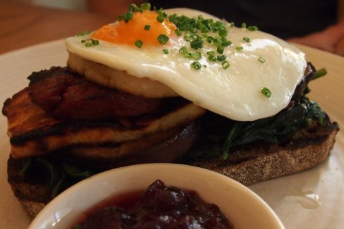 Grilled chorizo and haloumi stack