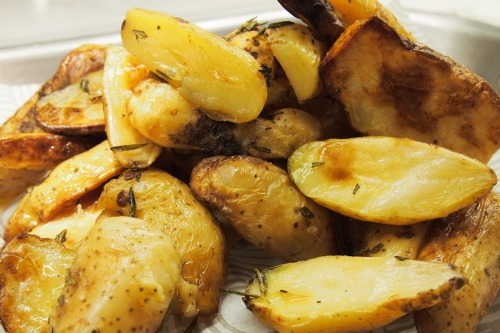 Roasted crispy rosemary potatoes