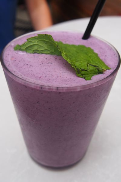 Blueberry bang smoothie